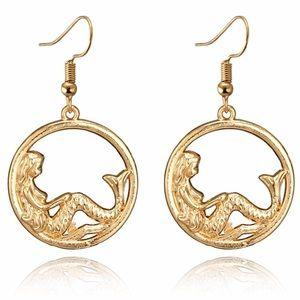 ⭐️COMING SOON⭐️ Gold tone circle mermaid earrings